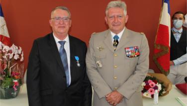 Remise de médaille pour Michel Roux